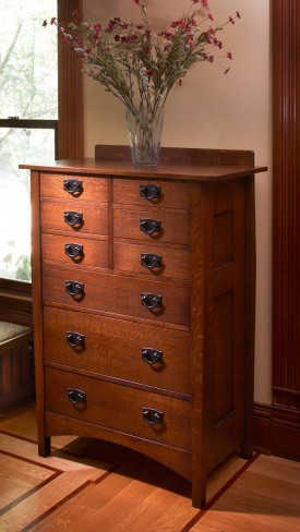Stickley Bureau #913